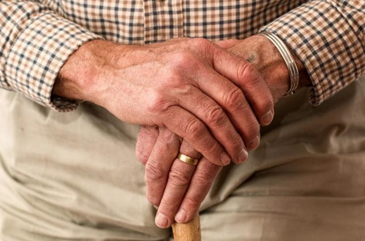 지역, 나이에 따른 국민연금 수령액 분석